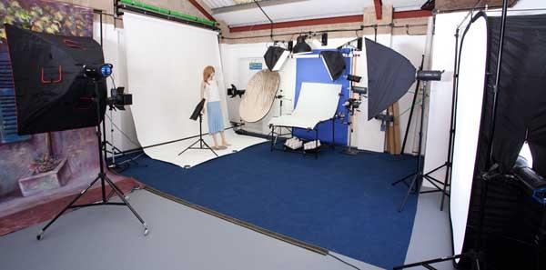 Advertisements & A Basic Introduction to Studio Lighting u2013 2 hour video tutorial ... azcodes.com
