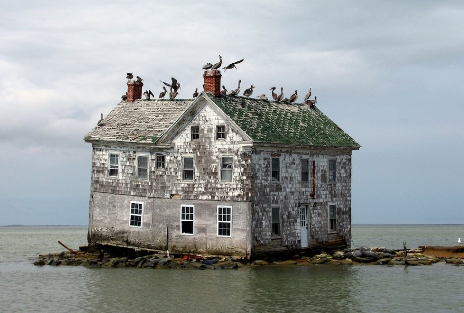 30 abandoned structures that evoke more than just decay (1/4)