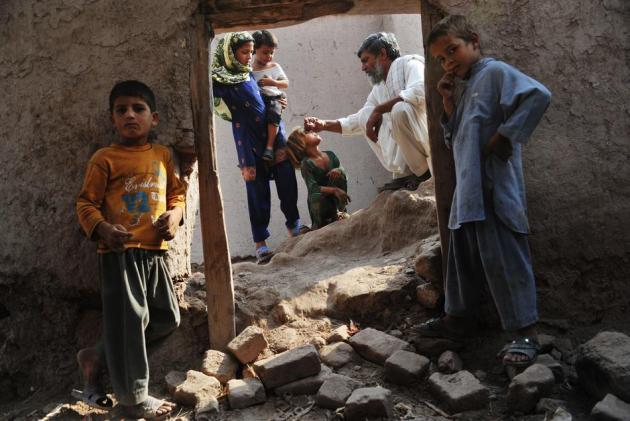 TOPSHOTS-CORRECTION-AFGHANISTAN-UNREST-POLIO