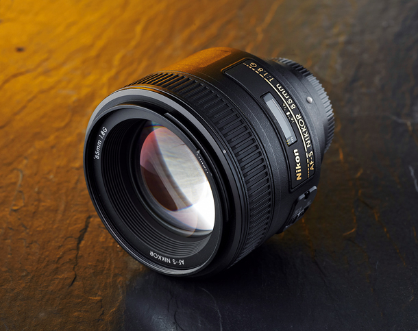 Best_portrait_lens_budget_DCM135.kit_group.nikon85_1