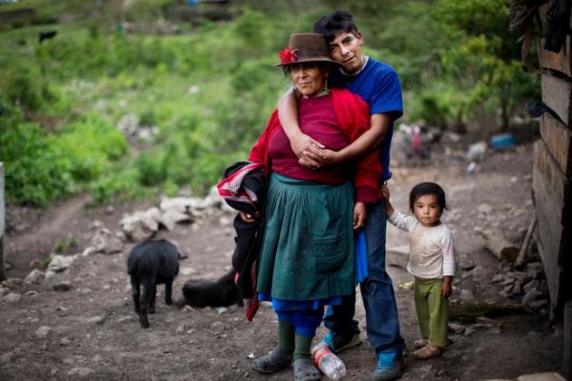 APTOPIX Peru Unearthing The Bodies