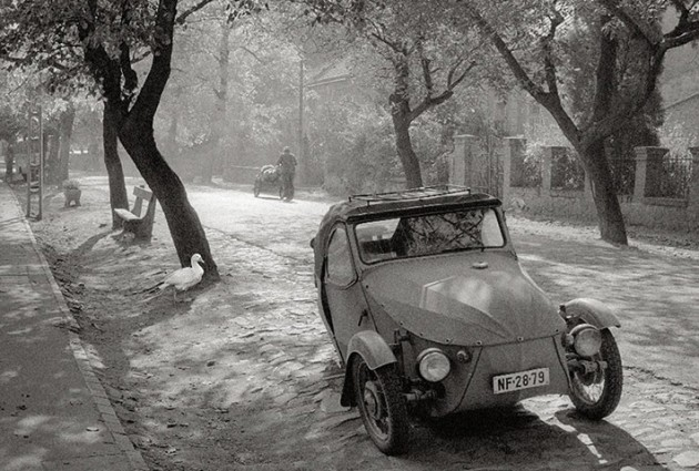 Car by Pentti Sammallahti
