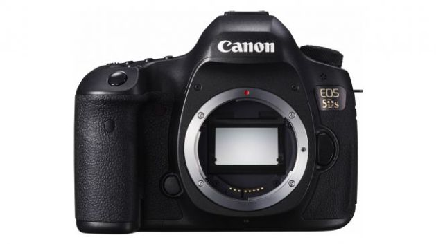 EOS-5DS-BODY-down-FRT-650-80
