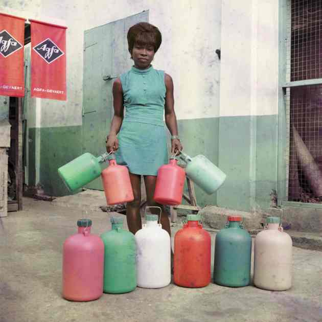 His early works recorded Ghana as it headed towards independence and came to terms with modernity through new inventions, music and fashion. In the 1960s, Barnor moved to the UK to continue his work with South African magazine Drum, for which he shot numerous cover images throughout the decade, as well as developing his own brand of street reportage and documentary photography