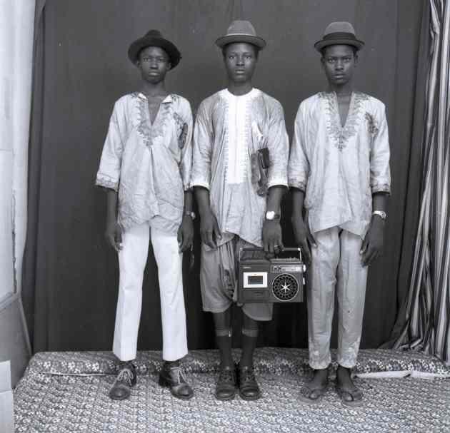 Les jeunes bergers peulhs, 1972. Photograph: © Malick Sidibé Courtesy Galerie MAGNIN-A, Paris.